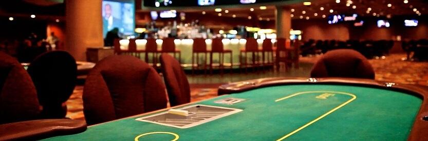 masă de poker în cazinou