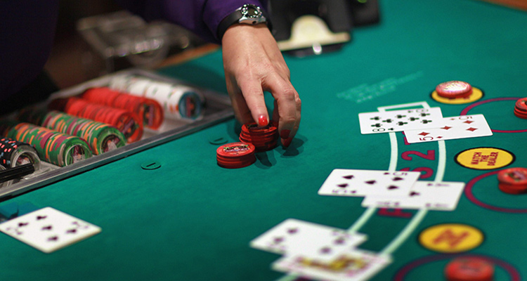 cand se face split la poker