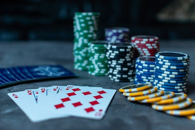 tipuri de poker